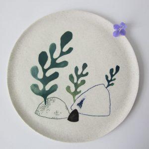 assiette rochers algues céramique Julie Loaëc Brest Bretagne France boutique atelier