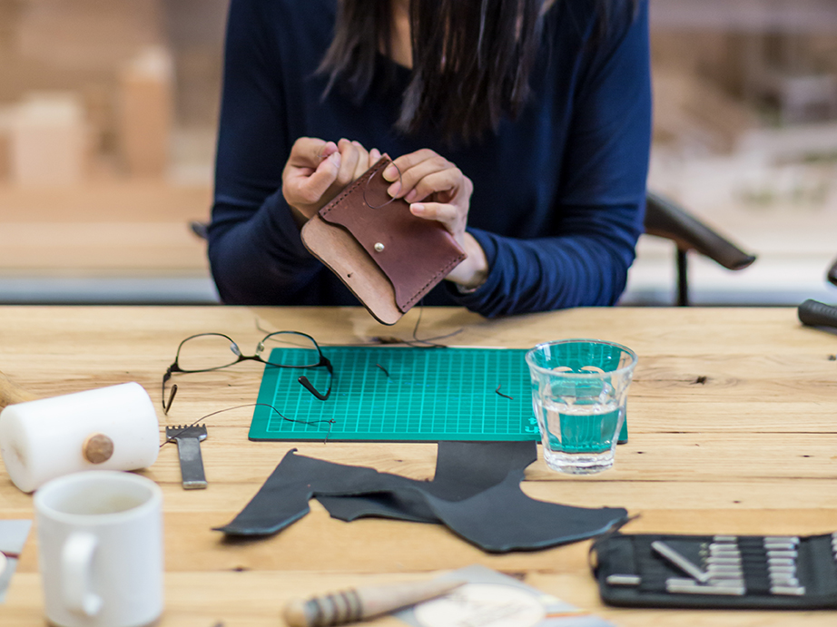 Leather purse making workshop