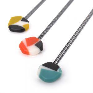 Colliers multicolore, résine et argent