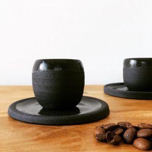 Lot de 2  Sets d'une tasse à café et sa soucoupe (soit 4 pièces)