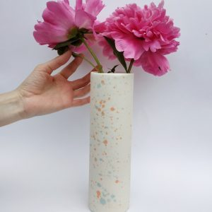 Vase tube moucheté en porcelaine