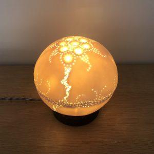 Lampe à poser en porcelaine et métal noir Abysse