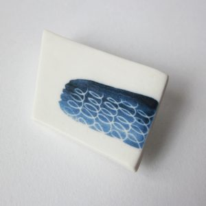 Broche porcelaine « Graphique »