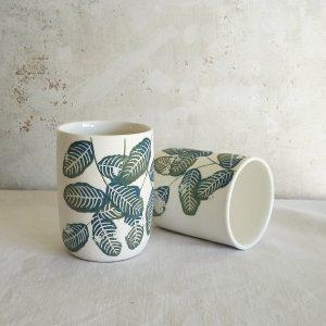 Tasse en porcelaine «U», Feuillage