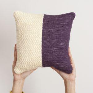 Coussin bicolore tissé main