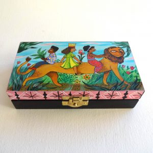 'Lion ride' boîte en bois décorée